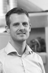 Team bei Straumann Hüppen CEO und Inhaber Guido Straumann